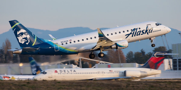 Sea-Tac power outage grounds flights in Anchorage and Seattle