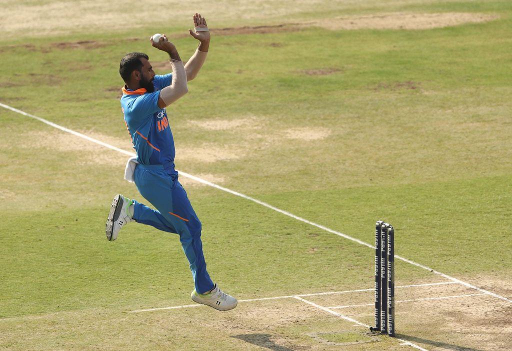 India vs Australia 1st ODI, Live Score Updates: India restrict Australia to 236/7