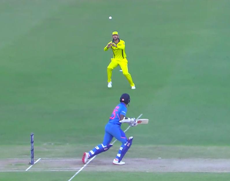 India Vs Australia 1st ODI – India loose early wicket of Shikhar Dhawan