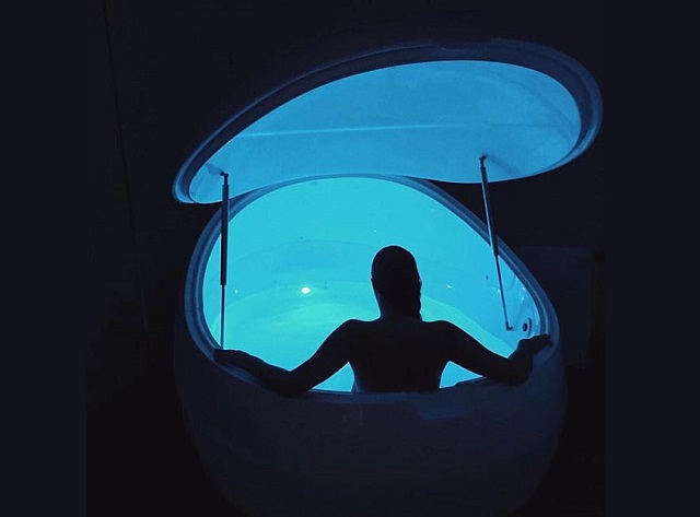 Understanding Floatation Therapy (The Mechanics behind REST)