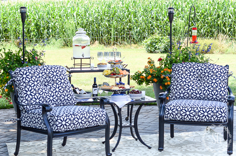 Tips to Choose Outdoor Rugs for Rattan Garden Furniture