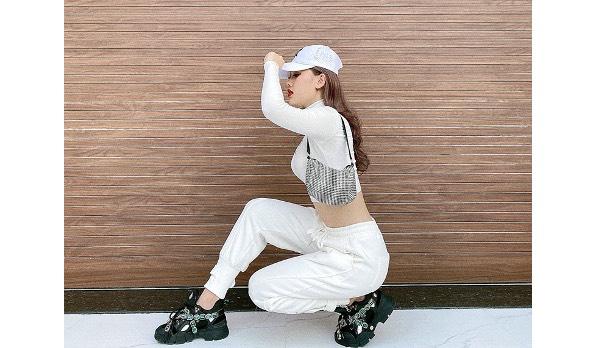 Step forward Hong Hoa Dinh fashion brand after Truong Quang Trinh