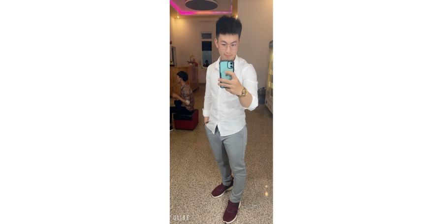 Meet the handsome student Nguyen Van Tuyen an experienced CEO