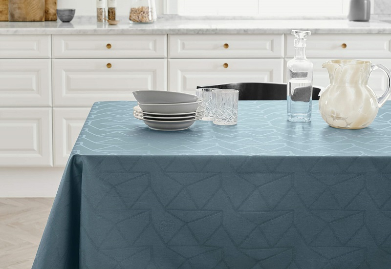 What are the best ways to choose tablecloths?