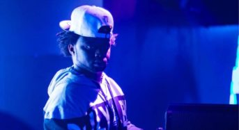DJ Yemi know how to move the crowd to his tunes
