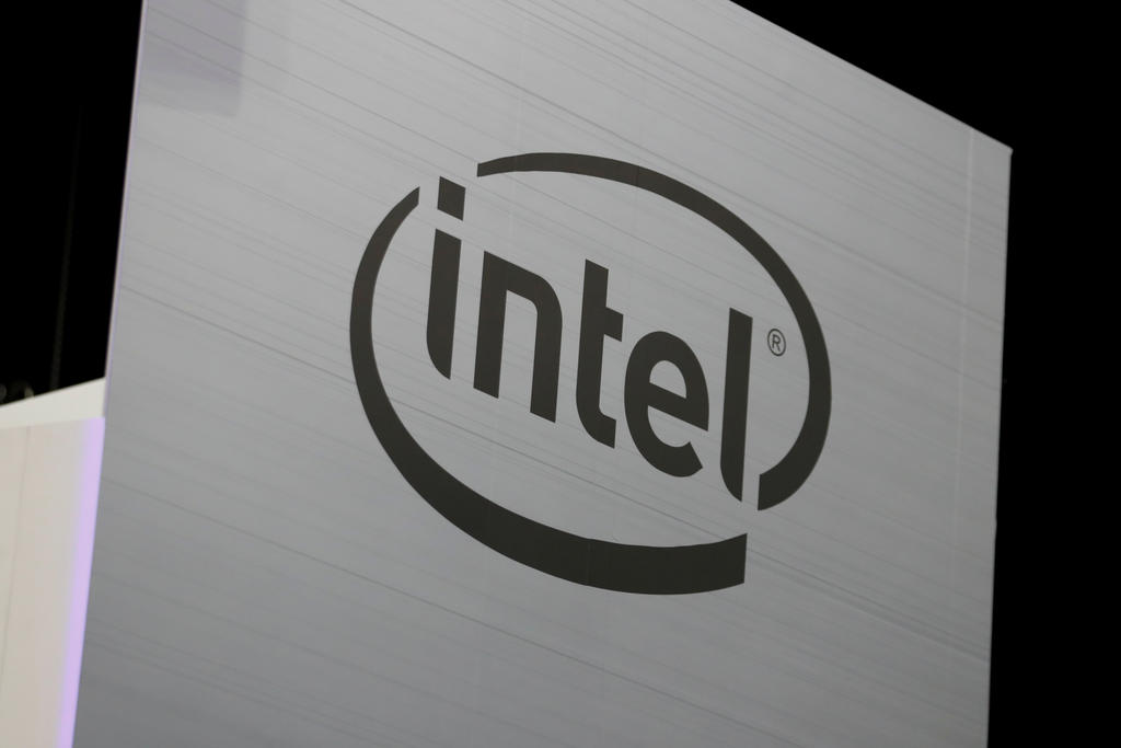 Intel chip defer powers move to utilizing increasingly outside manufacturing plants, shares drop