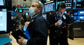 On Volatile Day S&P 500 Fall 60 Points : Oil Stocks Sink rapidly , Apple guide Stocks Down Again