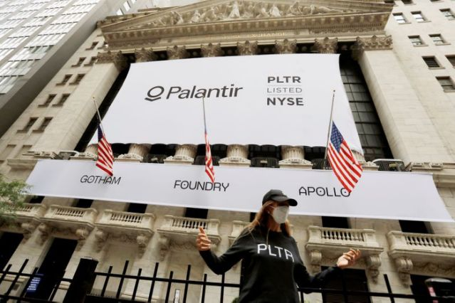 Palantir shares hop 30% in financial exchange first apperance
