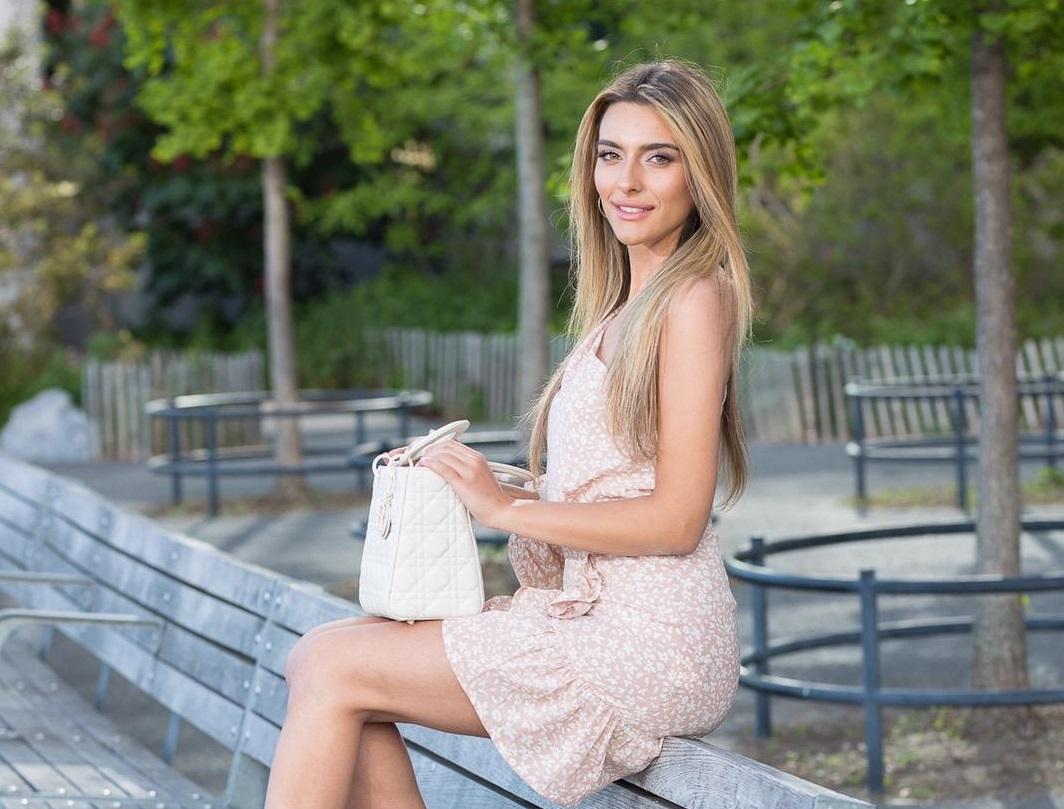 Emily Austin shares 5 pro-tips to help aspiring journalists build a stellar career